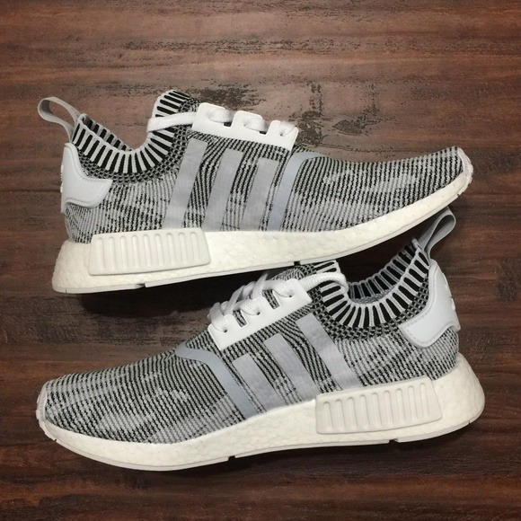 sneakers for cheap c32bf 75685 adidas Nmd R1 Primeknit Oreo Grey Glitch Boost
