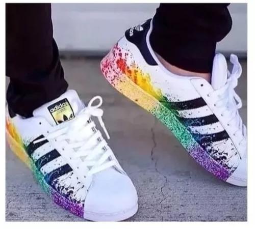 meet 2b67c 29a84 adidas Pride Pack Superstar Respingo De Tinta 12x Sem Juros