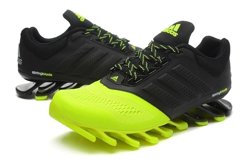 new styles 9f031 d3cfa Tenis Adidas Turf Infantil Verde Fosforescente