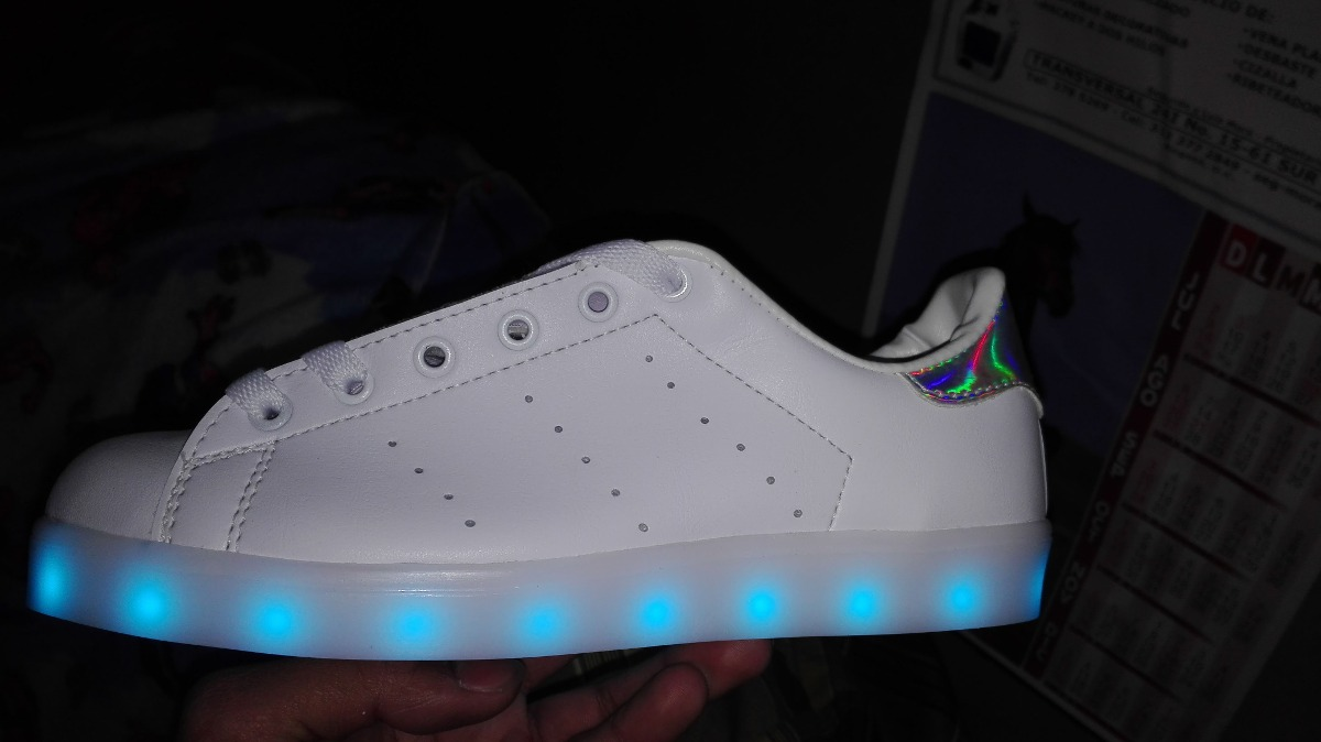 adidas stan smith con luces led. Cargando zoom.