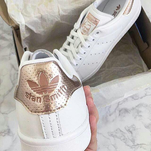 adidas stan smith blancas y doradas