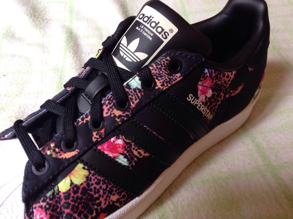 adidas superstar flores