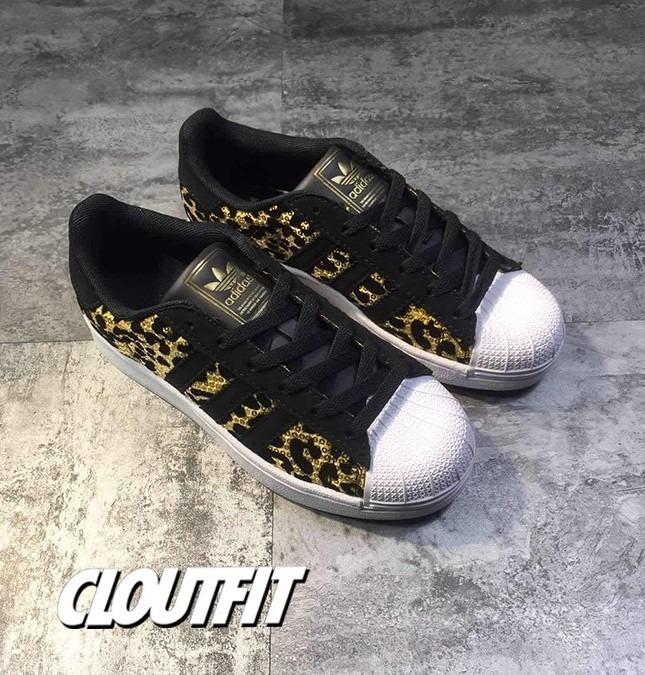 best authentic dd60d e4236 adidas Superstar Leopard