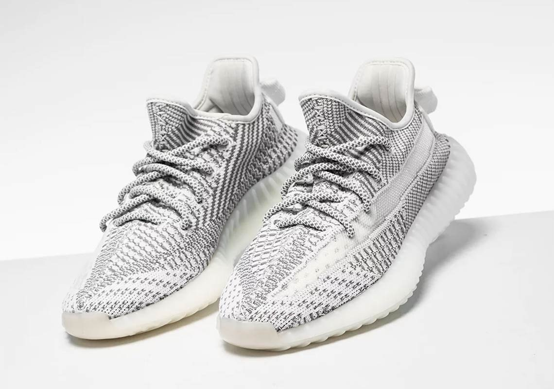 d8114c0e5a162 adidas Yeezy Boost 350 V2 Static -   15.999