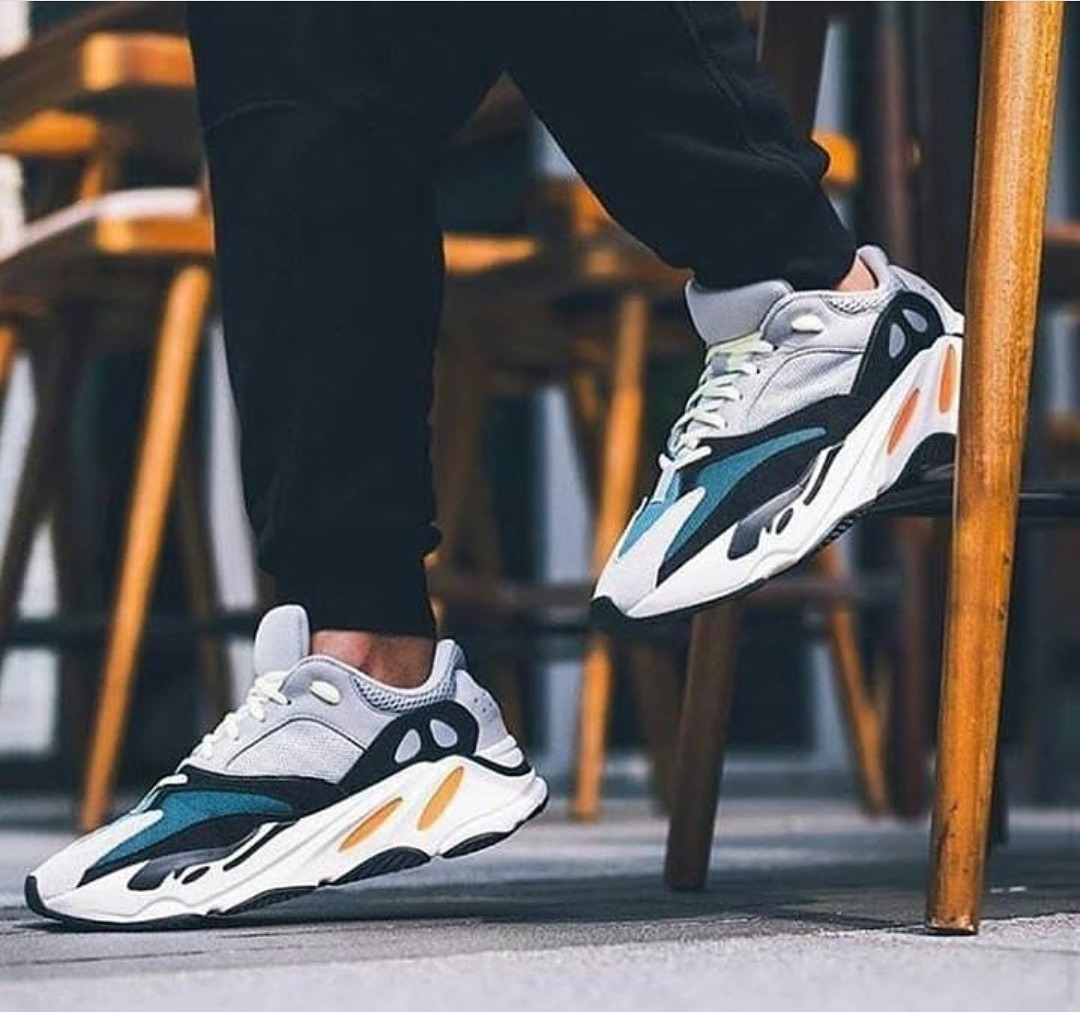 low priced fd7ef e8392 adidas Yeezy Boost Wave Runner 700 - Caballero