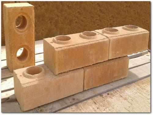 adobes con arcilla y cemento prensados tipo legos por m2