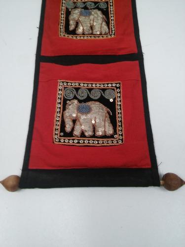 adorno colgante estilo hindú con bolsillos bordados
