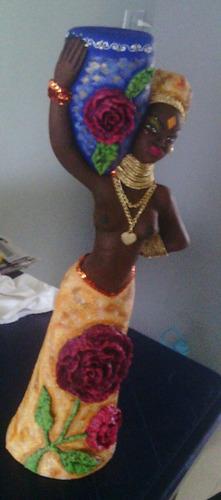 adorno de africana con vestido elaborado en papel