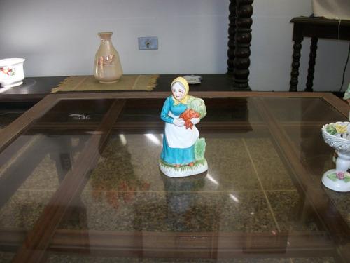 adorno de cerámica /figura mujer del campo