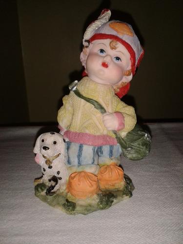 adorno de poliresina figura niño con el perro