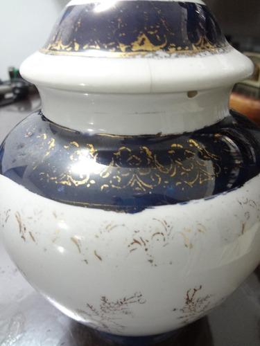 adorno de porcelana con arte victoriano