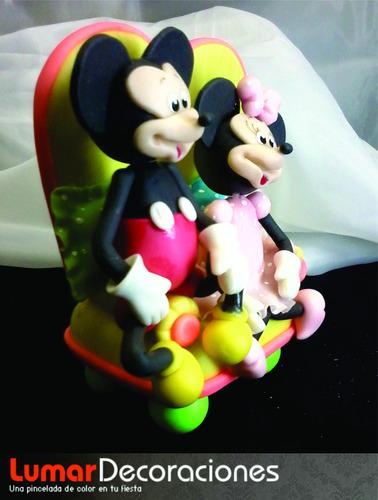 adorno de torta mickey y minnie en el sillon