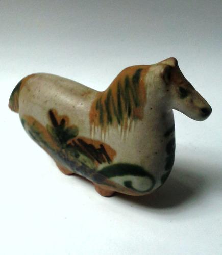 adorno figura cerámica caballo dibujos firmado y numerado