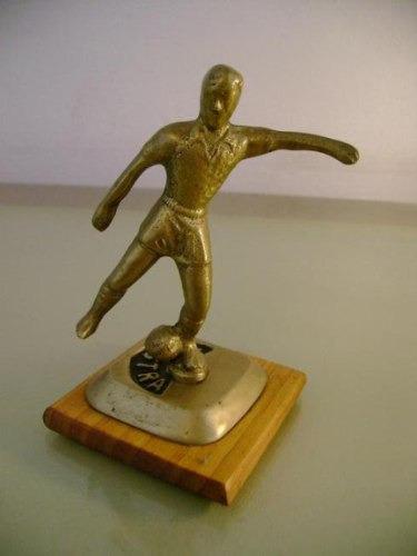adorno figura de fútbol bronce pisapapeles trofeo jugador