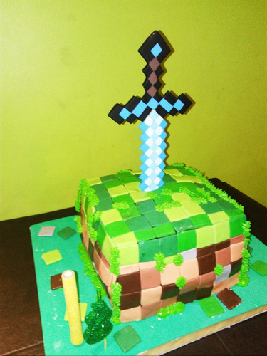 adorno torta espada minecraft. 28,5cm. porcelana fría