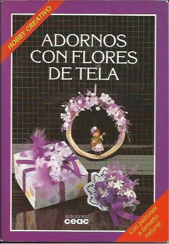 adornos con flores de tela