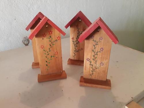 adornos de madera, bandejas, cofres, porta llaves, letreros,