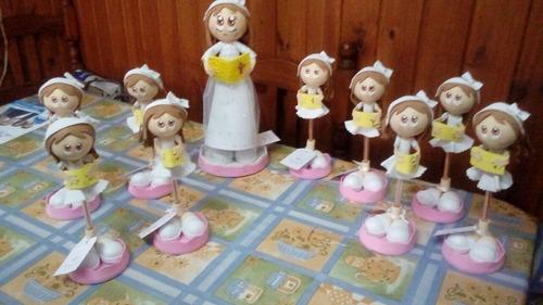 adornos, souvenirs comunion. lapiceras muñecas en goma eva.