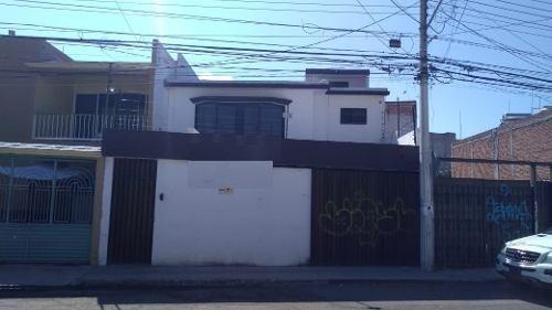 adr/ excelente casa comercial en buena ubicaciòn