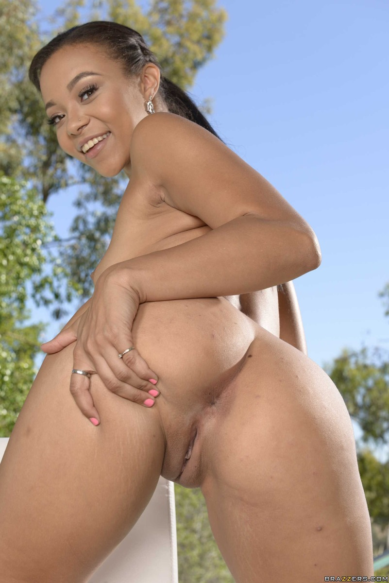 Black milf masterbating
