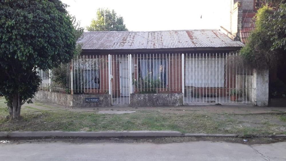 adrogue, barrio loma verde, casa 3 ambientes, lote 10 x 25