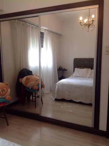 adrogué, chalet de 3 dormitorios y 2 baños .