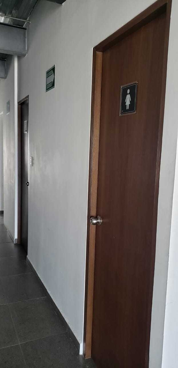 aeropuerto oficina renta