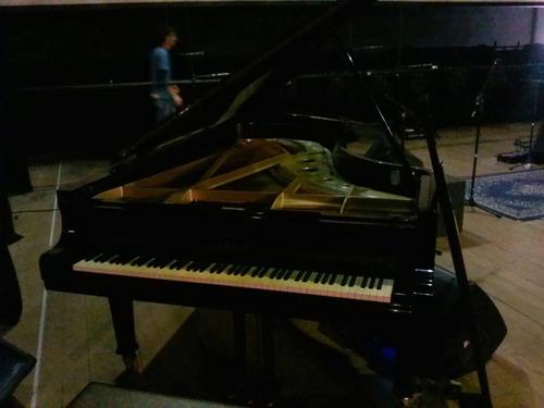 afinação, regulagem e transporte de pianos