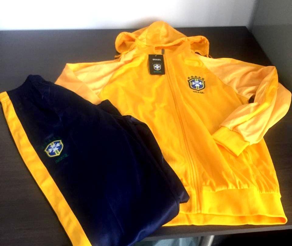 f0e26c6ace agasalho brasil conjunto blusa calça seleção brasileira. Carregando zoom.