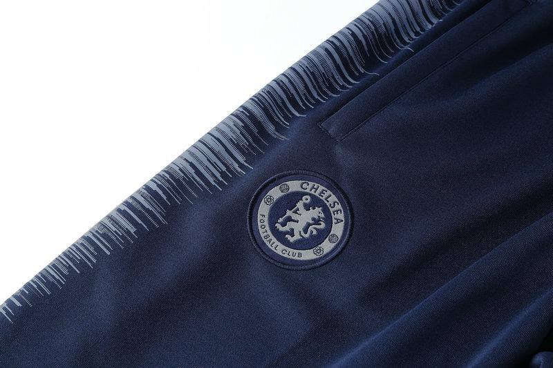 f112e4bab8 agasalho chelsea 2018 2019 azul marinho - casaco + calça. Carregando zoom.