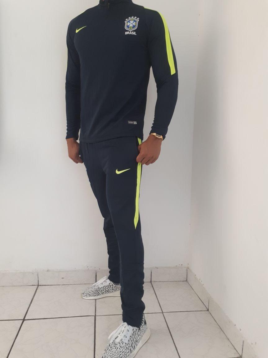5cf0f29e6 agasalho de treino seleçao brasileira 2018. Carregando zoom.