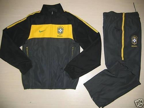 fb05e5ddafe5b Agasalho Seleção Brasileira Nike (jaqueta) - R  400