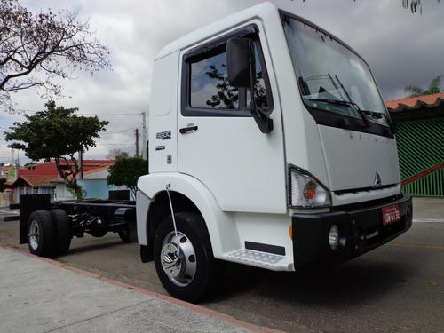 agrale 9200 caminhão 3/4 chassis baú
