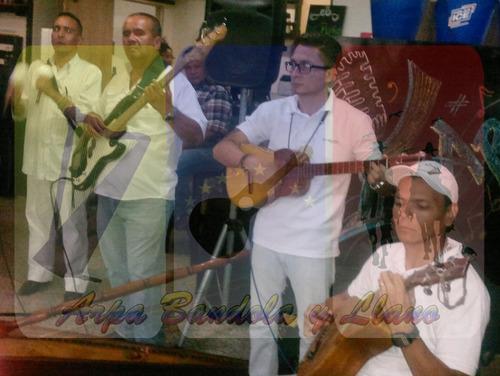 agrupación de música llanera con arpa y bandola.