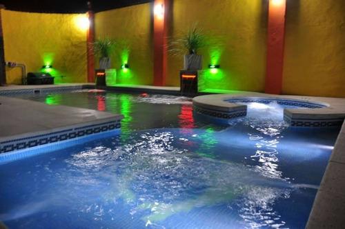 aguas verdes  construcciones piscinas de  hormigon