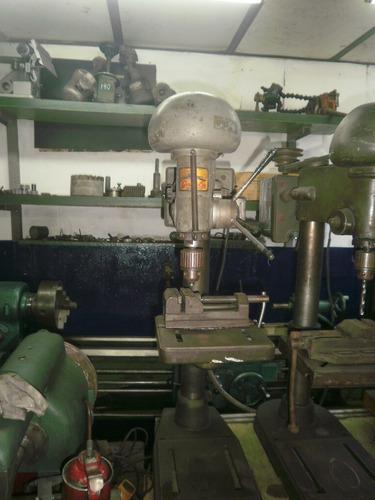 agujereadora de banco trifasica con morsa funcionando