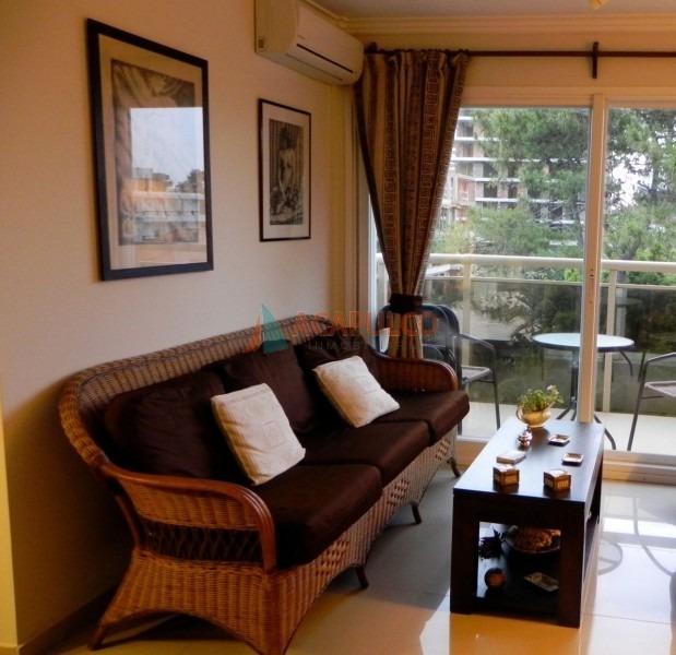 aidy grill comodo apartamento de 3 dormitorios - ref: 3650