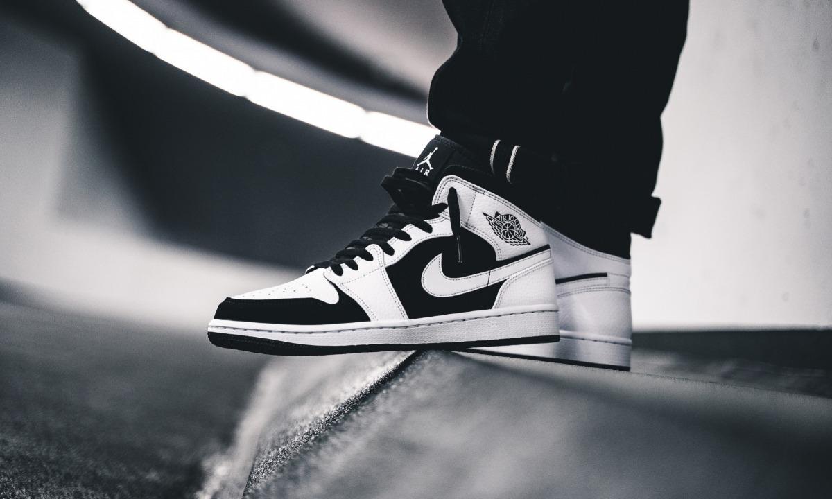 a116cb99be1 air jordan 1 mid black  white vuelta town sneakers. Cargando zoom.