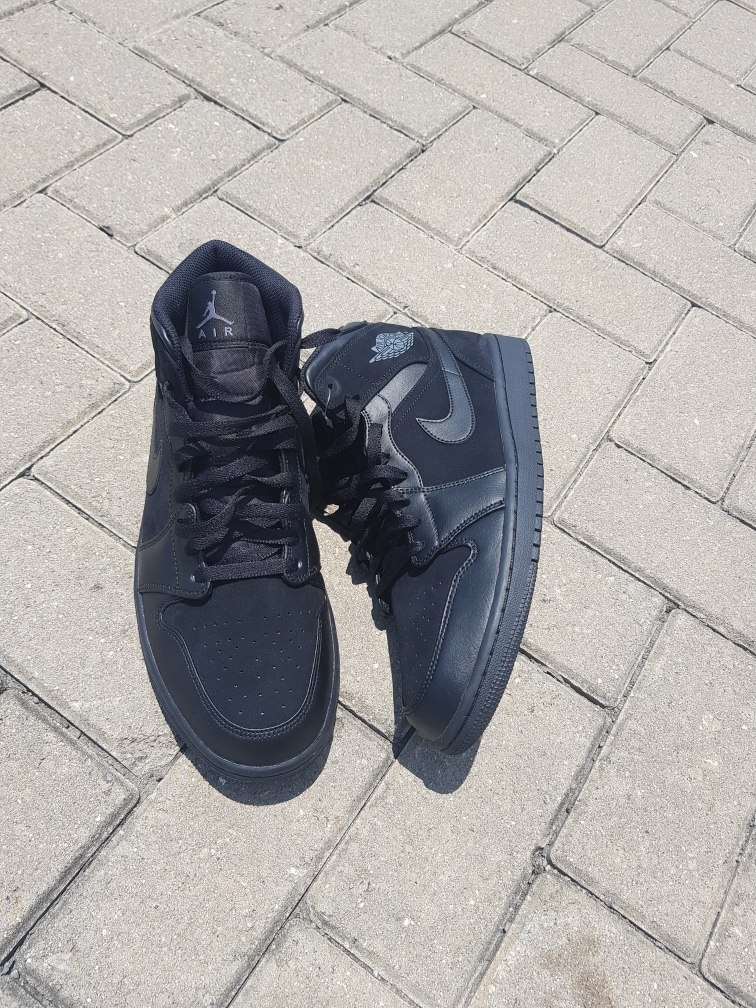 sneakers for cheap 58378 f77b7 Air Jordan 1 Mid Triple Black