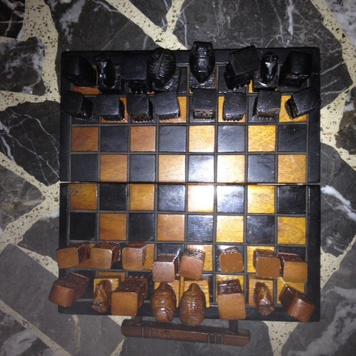 ajedrez boliviano tallado a mano