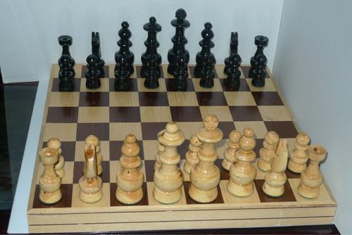 ajedrez de madera tablero de 40 cm.