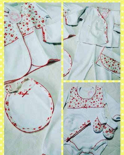 ajuar para bebas con bordado en picot color rojo y blanco