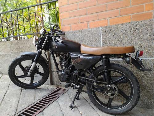 akt 125 moto