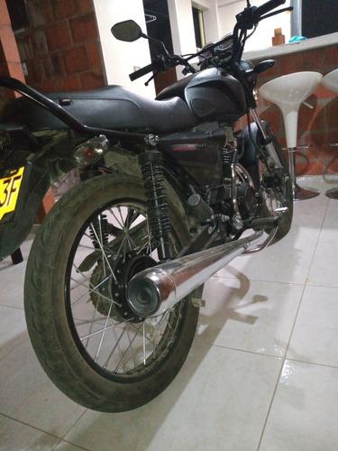 akt modelo moto
