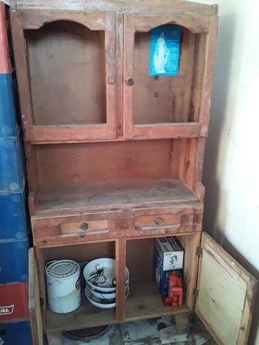 alacena o gabinete en madera resistente