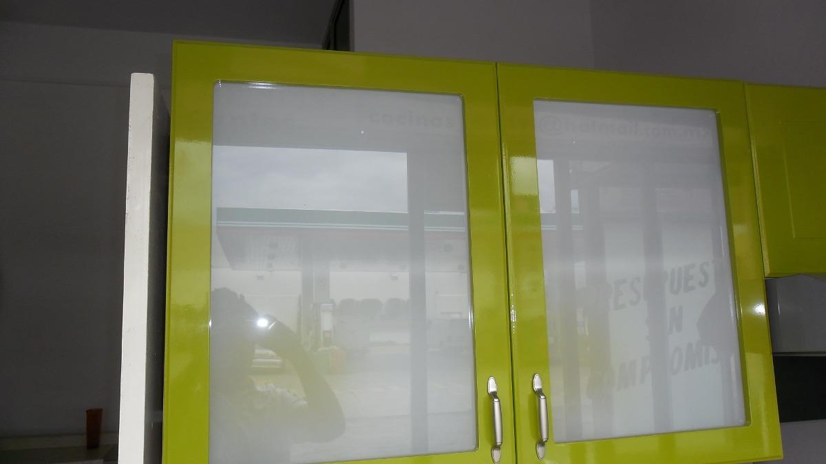 Alacena para cocina con dos puertas y entrepa o 2 200 for Puertas metalicas para cocina