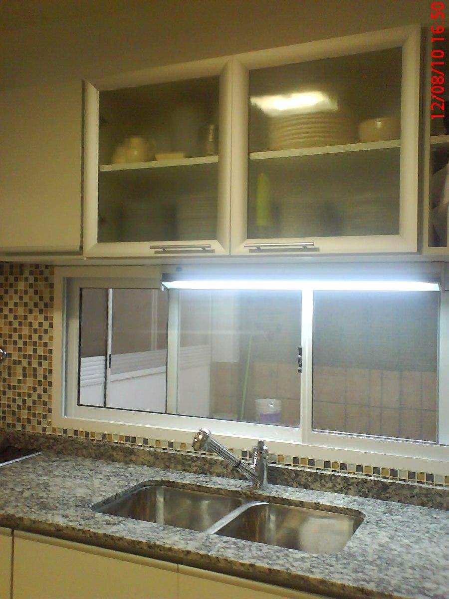 alacena puertas de aluminio con vidrio esmerilado m