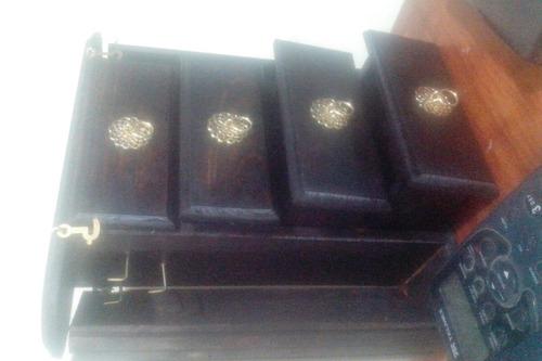 alajero de madera