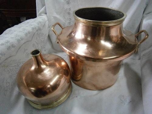 alambique antiguo en cobre europeo para perfumes