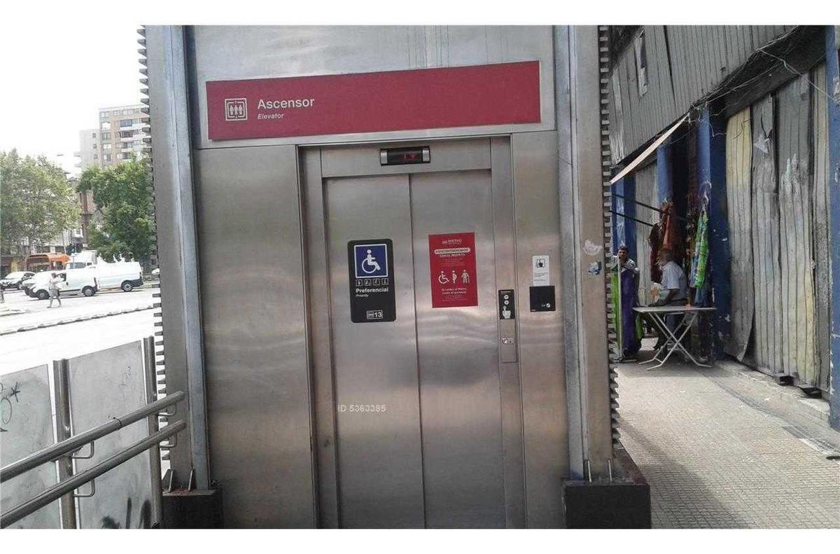alameda / estacion metro ula